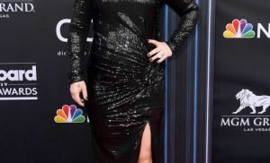 Kelly Clarkson Had Appendicitis While Hosting the BBMAs — How Common Is the Condition?