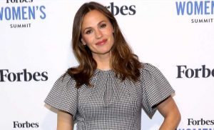 Jennifer Garner Takes Her Kids 'Backyard' Camping — Wakes Up to 'Sprinklers'