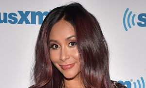 Snooki Claps Back at Mom-Shamers After Drinking Wine While Feeding Baby