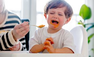 7 tips to make toddlers sit still while eating