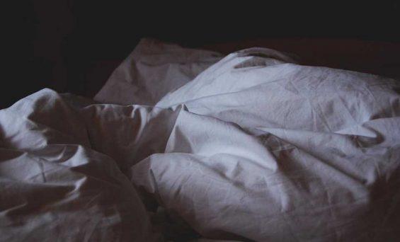 Novel technique helps explain why bright light keeps us awake