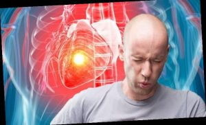 Heart attack symptoms: Experiencing this symptom for more than 15 minutes is a major sign
