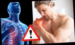 Heart attack symptoms: A sign in your left shoulder may signal an 'impending' heart attack