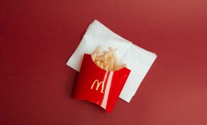 Fast food from these chains is 'packaged in pollution,' report says. Does it matter?