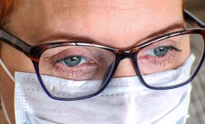 Could wearing glasses lower the risk of COVID-19?