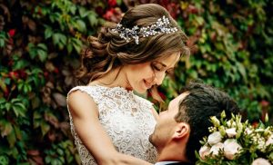 Here's Why You Shouldn't Turn Down Having A Weekday Wedding