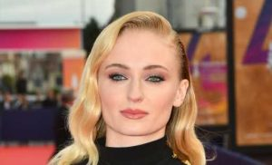 Sophie Turner Gets Real About Giving Birth — & Slams Anti-Maskers