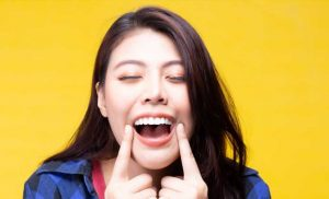 Here's Why Your Teeth Could Be Turning Green – The List