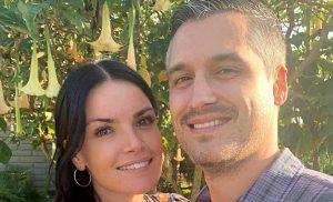 Bachelor's Courtney Robertson Expecting Baby No. 2 With Humberto Preciado